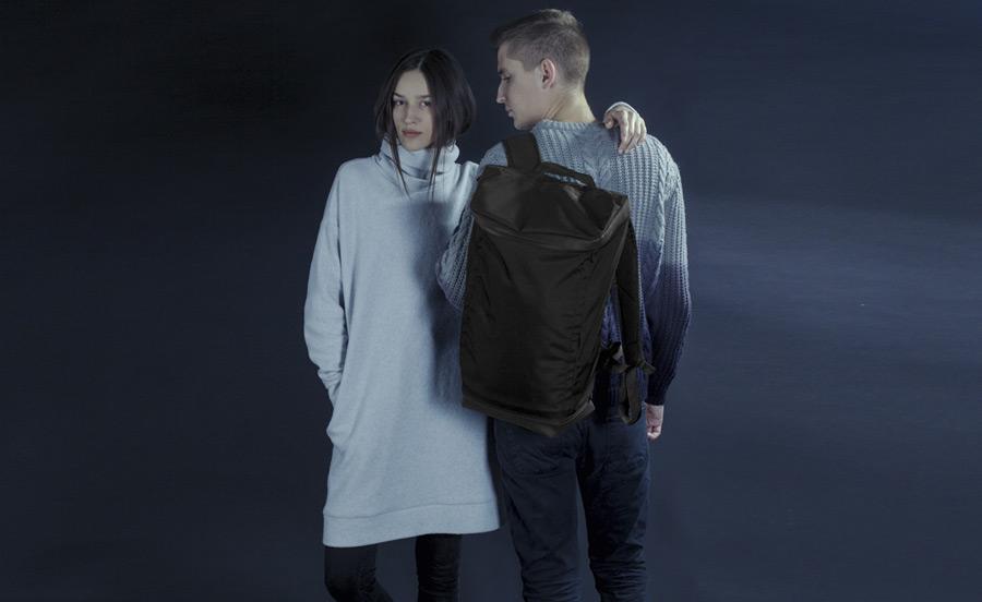 PX — Invisible Backpack — nepromokavý (voděodolný) batoh na záda — černý, nylonový