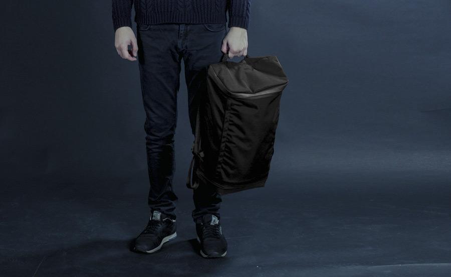 PX — Invisible Backpack — černý bazoh na záda — nylonový, nepromokavý, voděodolný