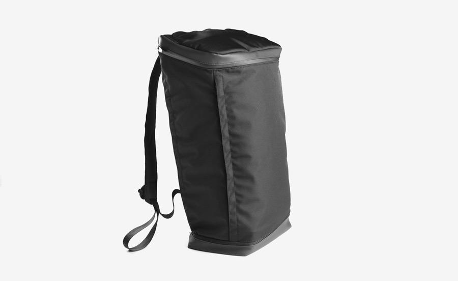 PX — Invisible Backpack — nepromokavý (voděodolný) černý batoh na záda z nylonu