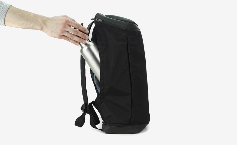 PX — Invisible Backpack — černý bazoh na záda z nylonu — nepromokavý, voděodolný