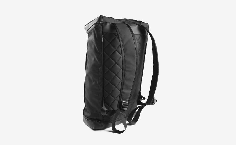 PX — Invisible Backpack — nepromokavý batoh z nylonu, černý, voděodolný — nylonový