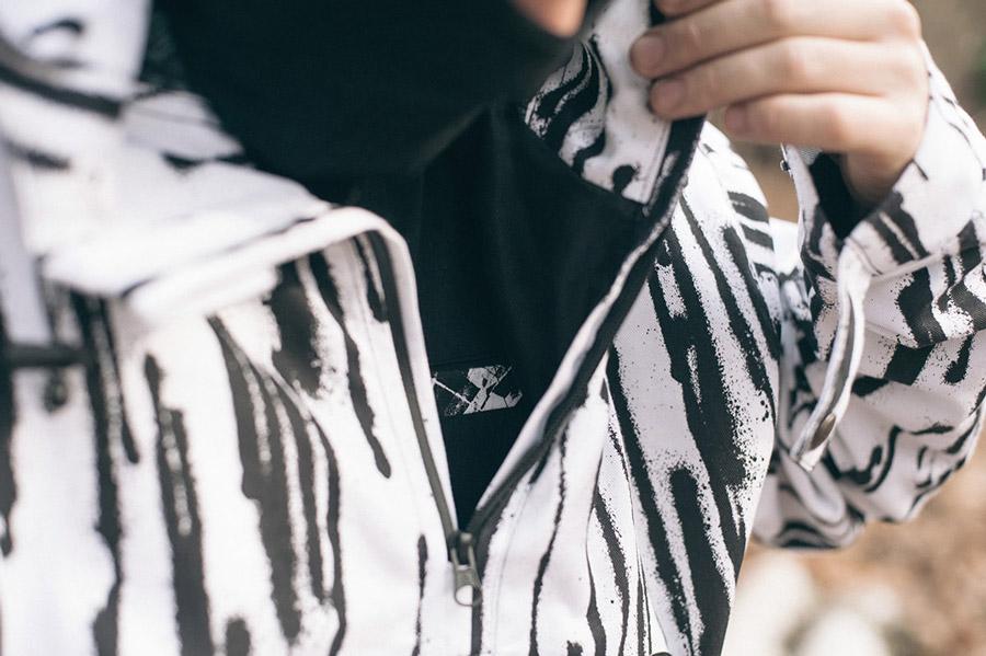 Turbokolor x Nawer — černo-bílá bunda s kapucí, pullover (pulovr) — City Birch Camo Pack — street oblečení, móda
