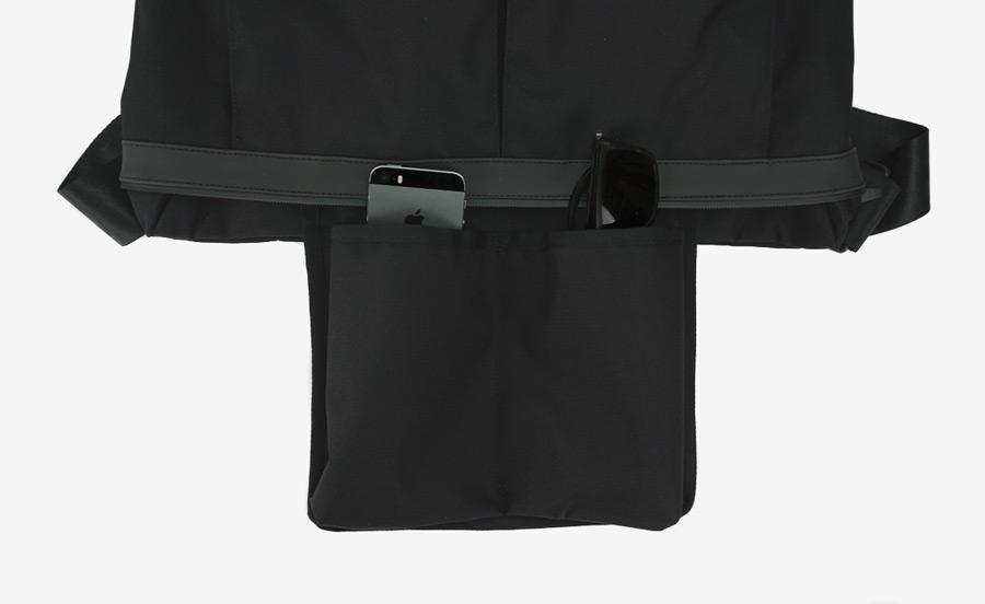PX — Invisible Messenger — černá taška přes rameno, nylonová — voděodolná, nepromokavá