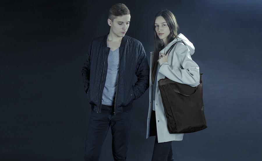 PX — Invisible Tote — vysoká černá taška přes rameno, do ruky, městská, nákupní — voděodolná z nylonu