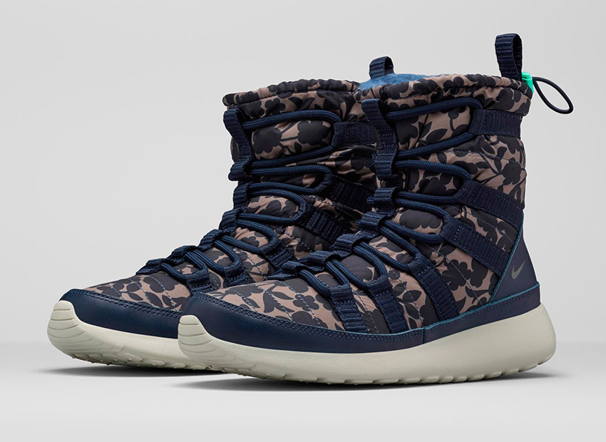 Liberty London x Nike Roshe One Hi Cameo Maxi Print Obsidian Blue — dámské sněhule, zimní boty — modré