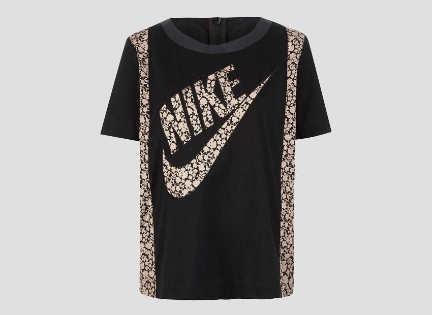 Liberty London x Nike T-shirt Tan Cameo Mini Print — dámské sportovní tričko, černé, světle hnědý vzor