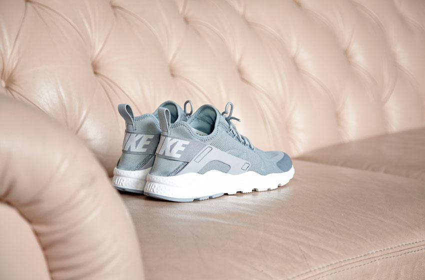 Nike Air Huarache Ultra — dámské boty, šedé — běžecké tenisky, sneakers