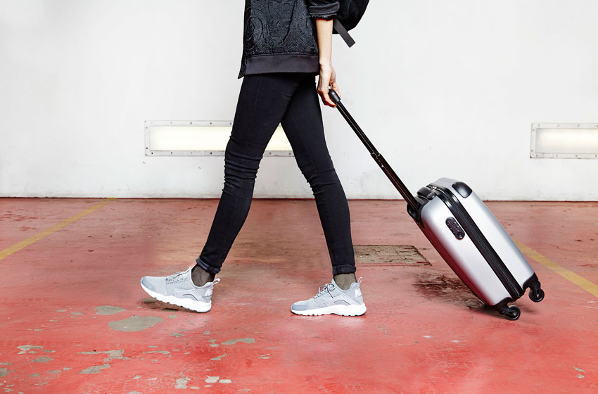 Nike Air Huarache Ultra — dámské šedé boty, běžecké — tenisky, sneakers