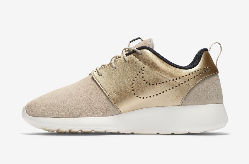 Nike Roshe One Premium Suede String Metallic Gold Womens — dámské boty, semišové tenisky — svršek zlaté a béžové barvy