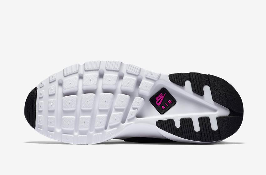 Nike Air Huarache Ultra — černo-bílá podrážka, vzorek Wafle