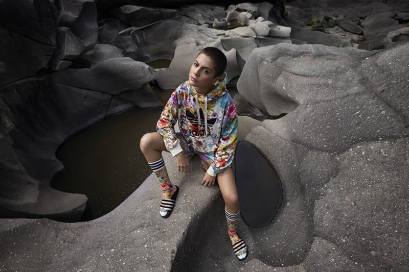 adidas Originals x Farm — dámské sportovní oblečení 6783a94fd1