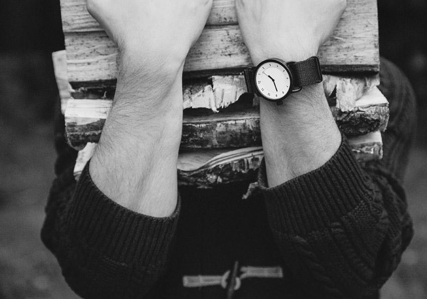 TID Watches – designové, švédské černé hodinky, bílý ciferník – textilní řemínek – pánské