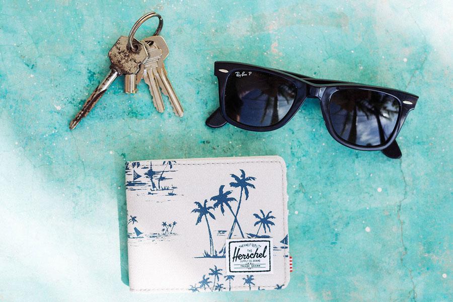 Herschel Supply — bílá peněženka, modrý plážová motiv, palmy — lookbook – jaro 2016