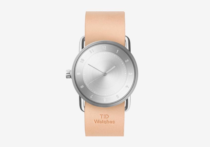 TID Watches – designové švédské hodinky – světle hnědý kožený řemínek tělové barvy, ocelové pouzdro – dámské