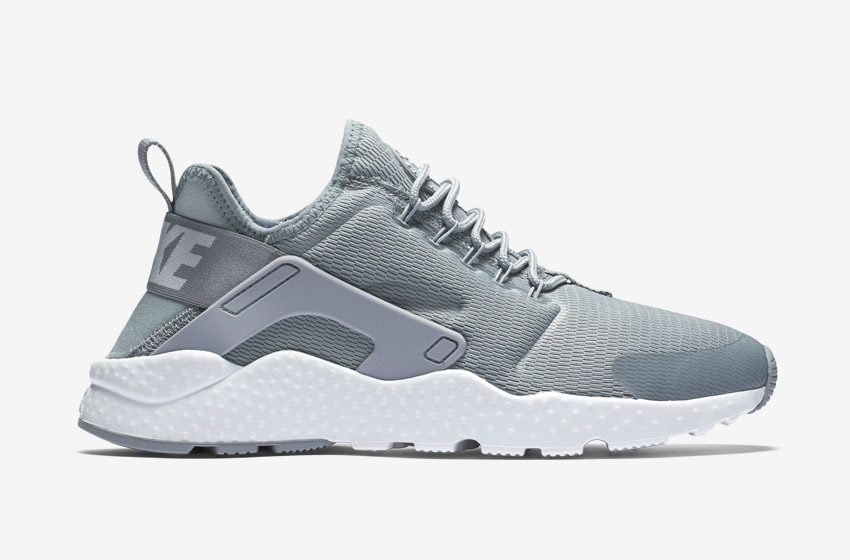 Nike Air Huarache Ultra — dámské boty, sneakers, běžecké — šedé