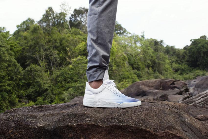 Filling Pieces — bílé luxusní tenisky s modrým přechodem, boty, sneakers — pánské, dámské — lookbook — Metamorphosis — jaro/léto 2016