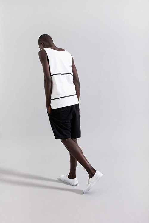 Ucon Acrobatics — pánské bílé tílko — černé šortky — lookbook — jaro/léto — spring/summer 2016