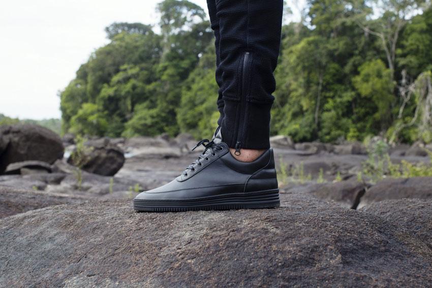 Filling Pieces — černé boty, luxusní tenisky, kožené sneakers — pánské, dámské — lookbook — Metamorphosis — jaro/léto 2016