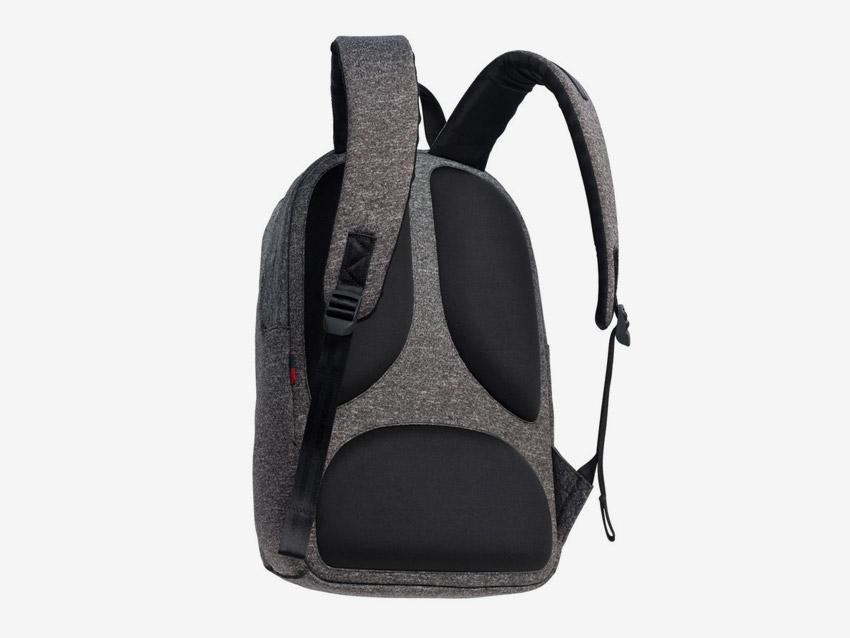 Herschel Supply — batoh — Dayton — zadní strana — ApexKnit