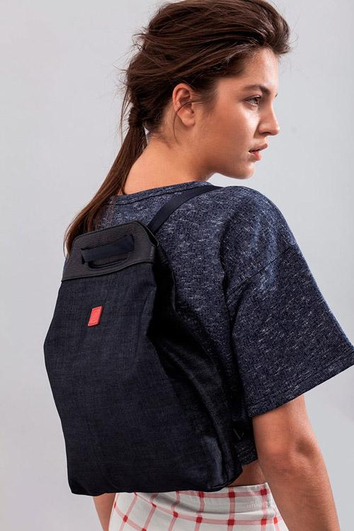 Ucon Acrobatics — modrý batoh na záda, plátěný — dámské modré tričko — lookbook — jaro/léto — spring/summer 2016