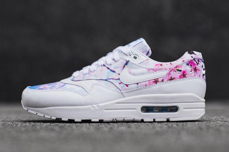 Nike Air Max 1 Print — Cherry Blossom — dámské boty, tenisky, sneakers — bílé — růžové třešňové květy