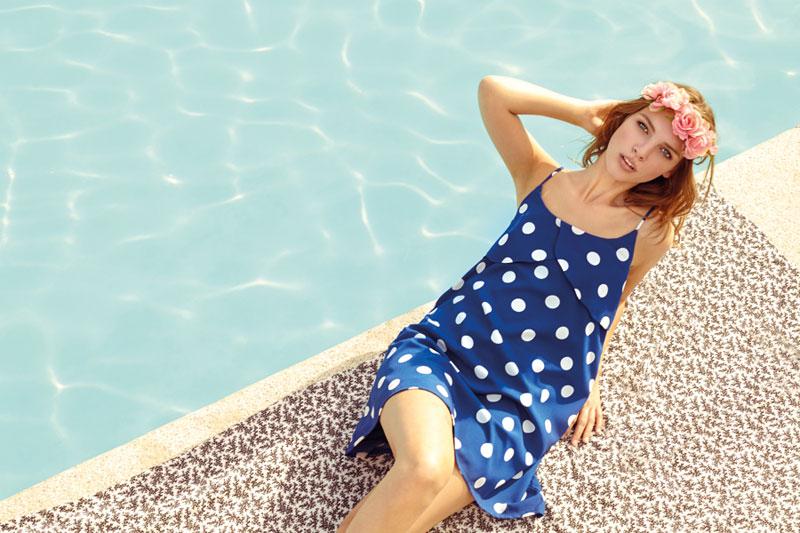Compania Fantastica — letní modré šaty s ramínky s bílými puntíky (kolečky) — retro móda — lookbook — jaro/léto 2016