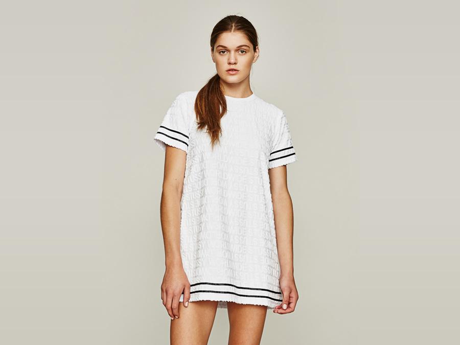 Stussy — dlouhé bílé tričko — dámské — dámské oblečení — jaro 2016