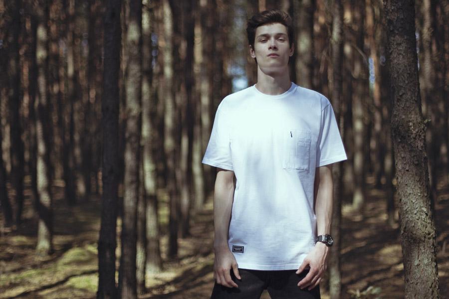 Backyard Cartel — bílé tričko s kapsičkou — pánské — pánské oblečení, street móda — kolekce Paper