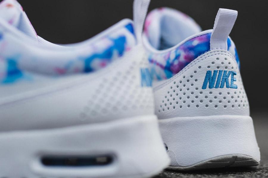 99fb592cf3b Dámské boty Nike Cherry Blossom se vzory třešňových květů