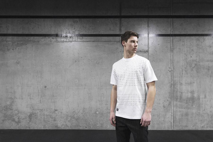 Backyard Cartel — bílé tričko s černými symboly — pánské — pánské oblečení, street móda — kolekce Scissors — 1. část