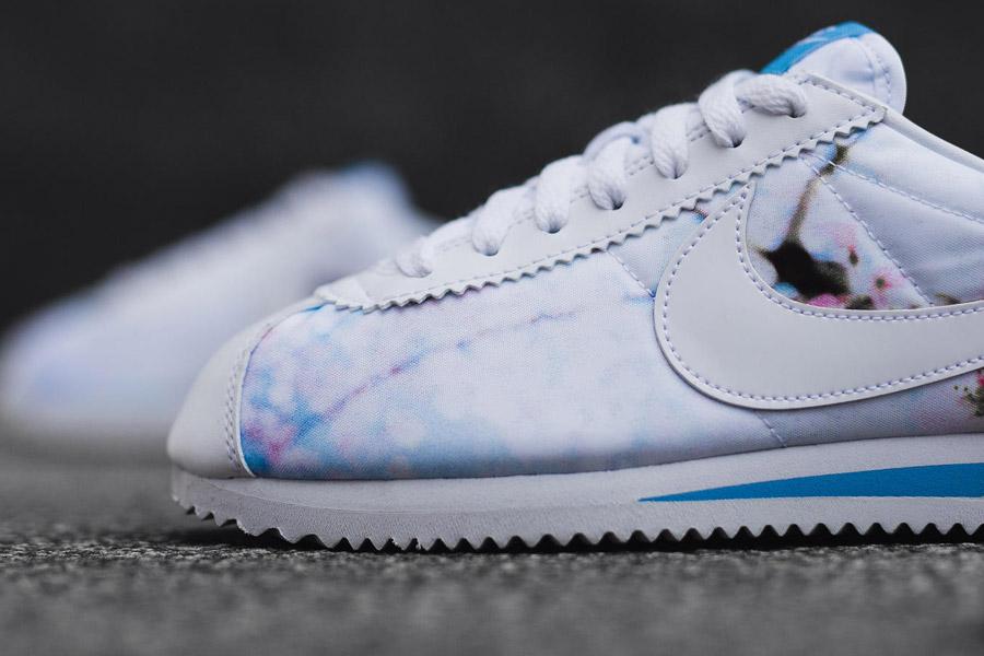 Nike Classic Cortez — Cherry Blossom — dámské tenisky, boty, sneakers — bílé — růžové třešňové květy