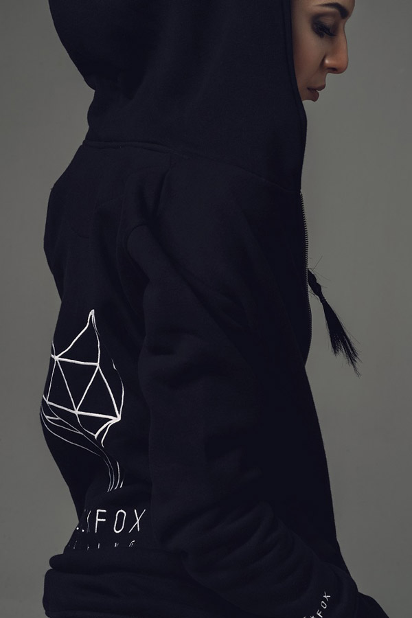 Blackfox — černá dlouhá mikina s kapucí — dámská — sportovní oblečení, streetwear, activewear — lookbook
