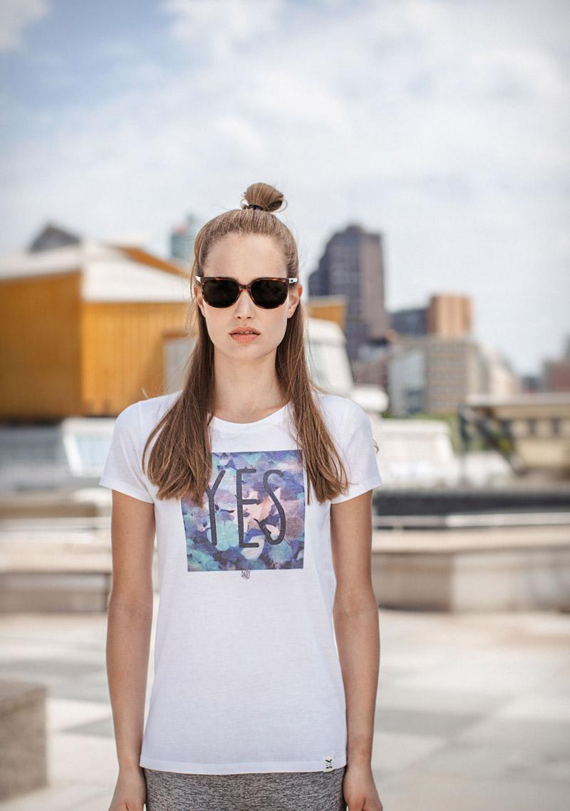 Iriedaily — bílé tričko s potiskem — dámské — lookbook — jaro/léto 2016