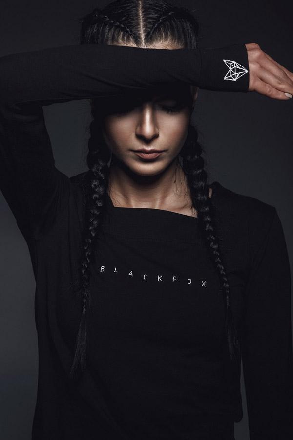 Blackfox — černé tričko s dlouhým rukávem — dámské — lookbook
