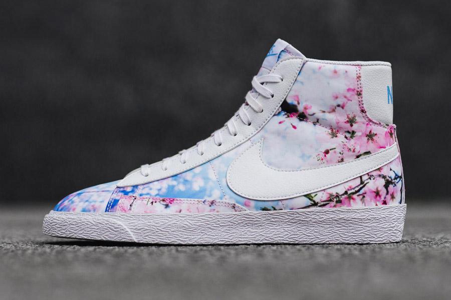 Nike Blazer Mid Print — Cherry Blossom — dámské kotníkové boty 50a3bd5c7a