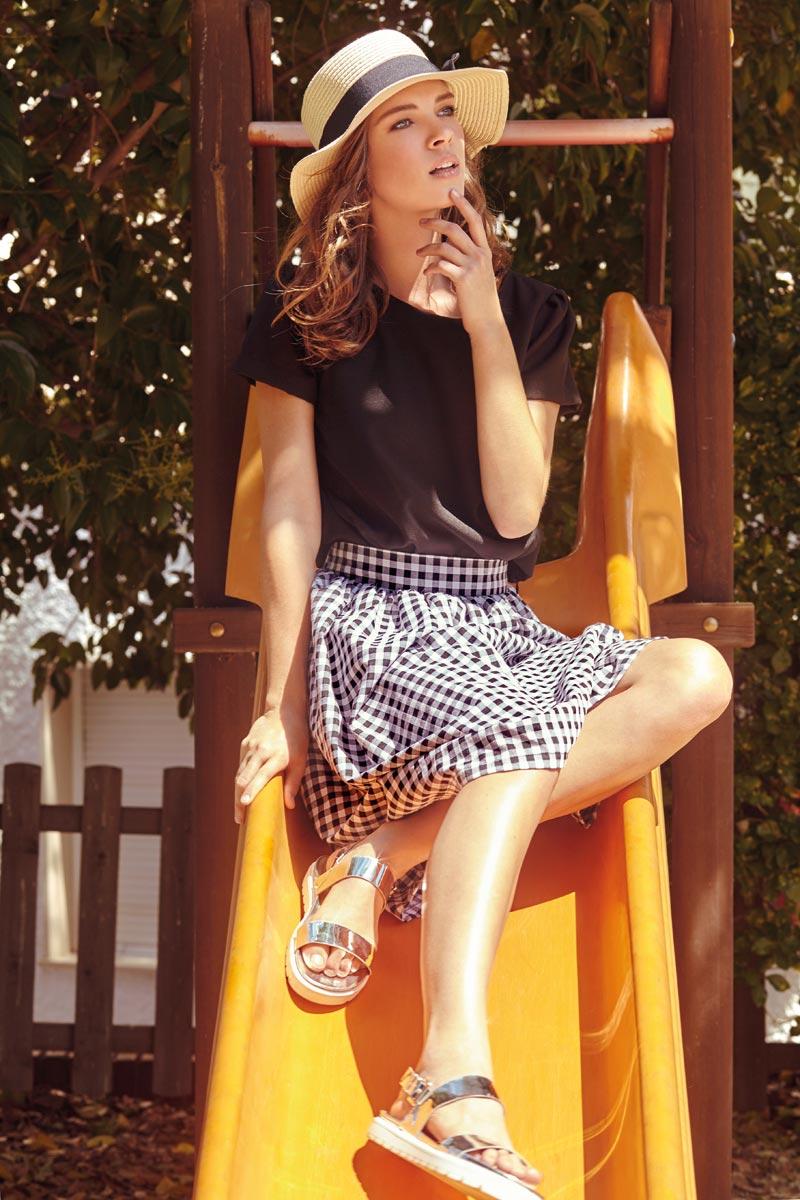 Compania Fantastica — kostkovaná sukně, černé tričko — retro móda — lookbook — jaro/léto 2016