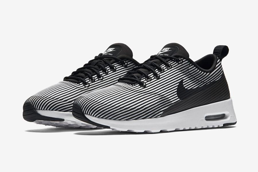 Nike Air Max Thea Jacquard — dámské boty — bílé, černé — tenisky, sneakers, proužky — textilní, veganské