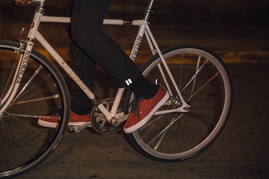 Levi's Commuter — černé cyklistické kalhoty, pánské, bavlněné, džínové — jaro/léto 2016
