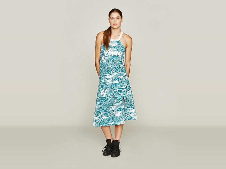 Stussy — bílo-modré dlouhé šaty s ramínky — vzorované — dámské oblečení — jaro 2016