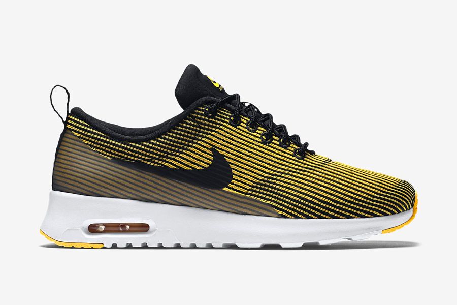 Nike Air Max Thea Jacquard — dámské boty s pruhy — žluté — tenisky, sneakers — textilní, veganské