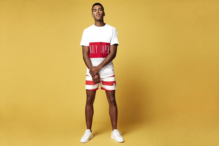 Daily Paper — bílo-červené tričko s potiskem — červeno-bílé šortky, kraťasy — jarní/letní oblečení 2016