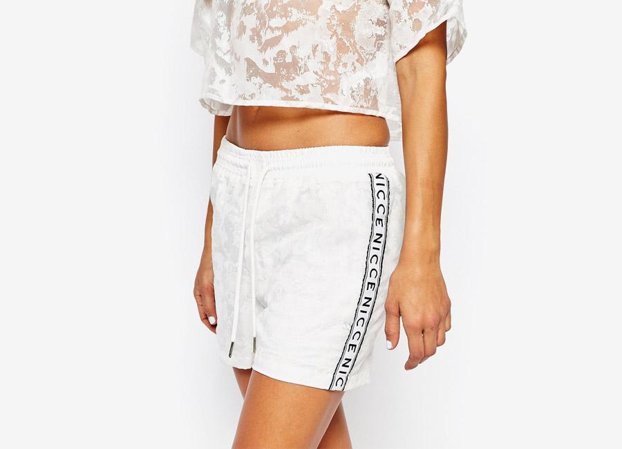 Nicce London — dámské kraťasy — bílé — dámské jarní/letní oblečení