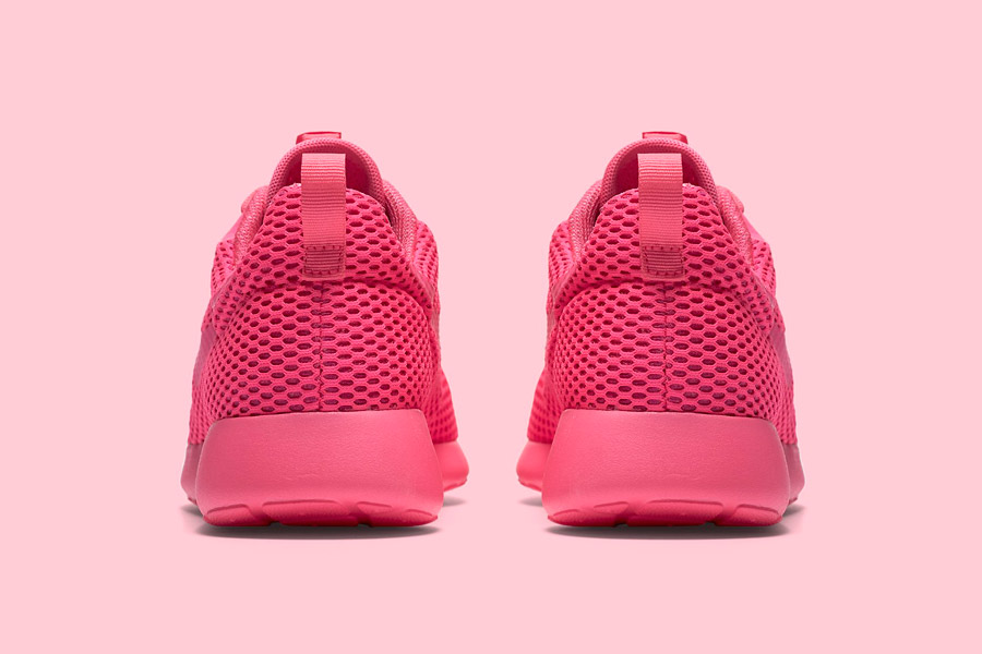 Nike Roshe One Hyper Breathe — zadní pohled — růžové, pink — běžecké sneakers
