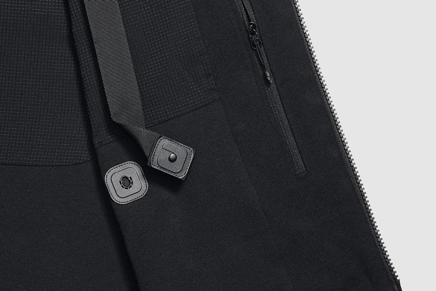 NikeLab Transform Jacket — pánská sportovní bunda — černá — detail zapínání