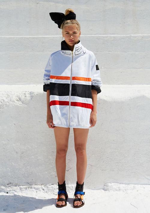P.E Nation — sportovní bílá bunda s pruhy — dámské sportovní oblečení