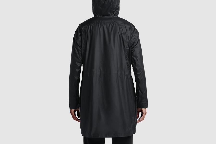 NikeLab Transform Jacket — dámská sportovní bunda s kapucí — černá — dvojitá bunda