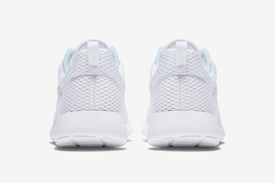 Nike Roshe One Hyper Breathe — zadní pohled — bílé, white — běžecké sneakers