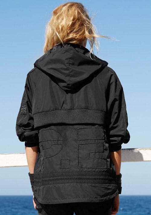 P.E Nation — černá sportovní bunda s kapucí — dámská — dámské sportovní oblečení