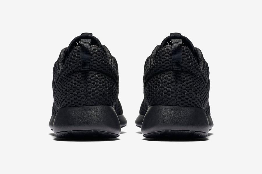 Nike Roshe One Hyper Breathe — zadní pohled — černé, black — běžecké sneakers