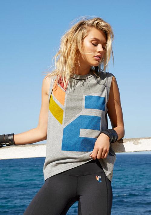 P.E Nation — šedé tričko bez rukávů s barevným potiskem — dámské — dámské sportovní oblečení